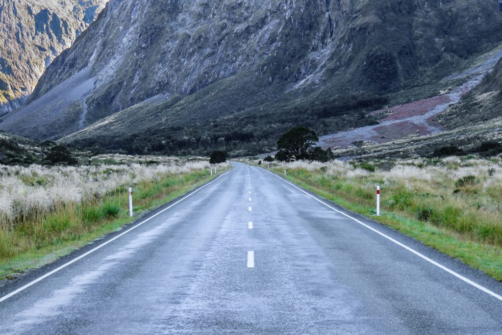 The Divide is where the road to Milford SOund begins to meander around mountain peaks until the Homer Tunnel. SOuth ISland Itinerary
